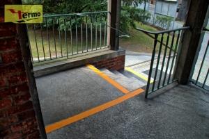 oznakowanie-dla-niewidomych-i-niedowidzacych-schody-05