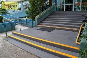 oznakowanie-dla-niewidomych-i-niedowidzacych-schody-08