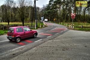 linie-akustyczne-czerwone-przed-przejazdem-kolejowym