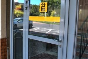oznakowanie-dla-niewidomych-i-niedowidzacych-winda-01